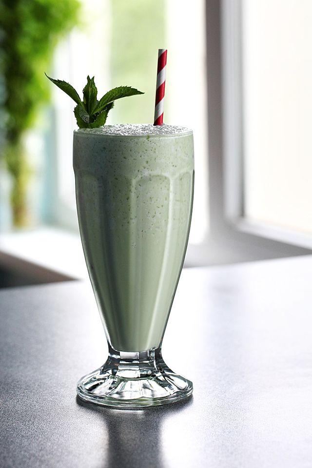 Grasshopper Cocktail (Morgenthaler Method)   ScienceOfDrink.com