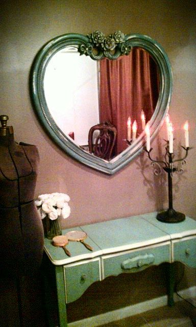 heart mirror in a charming setting ~ I love the mirror,