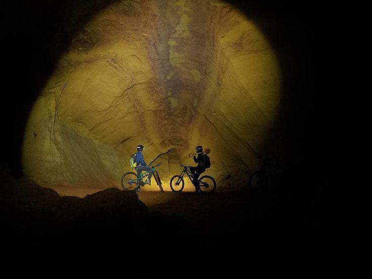 Если вам недостает экстрима (или вы просто хотите свернуть себе шею) и вы любите горный велосипед, то есть масса мест, где можно на нем покататься. Но одним из самых опасных является заброшенная ша…
