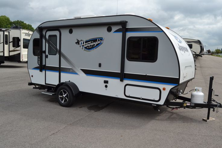 Charming Lightweight Travel Trailer 2017 Jayco Hummingbird 17rk Weighing In At Only 2 910 Lbs