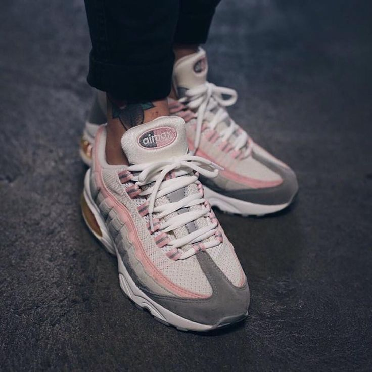 http://www.trendingclothingstyles.com/category/nike-air-max/ Sneakers femme…