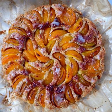 apricot cake - Victor Lortie/EyeEm/Getty Images