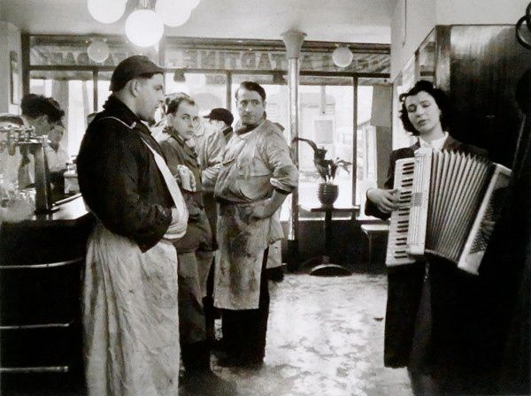 Paris 1953 Photo: Robert Doisneau