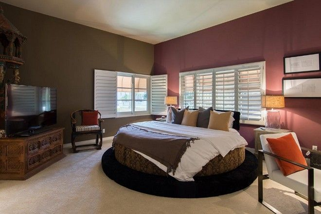 Inside-Celebrity-Homes-Tommy-Lee-House-at-Calabasas- #celebritybedrooms #tommylee