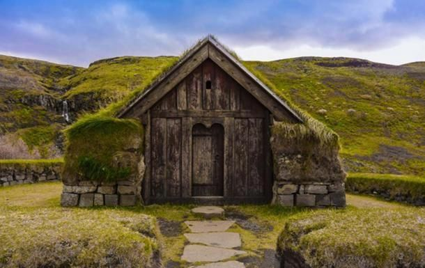 Green Roofs And Great Savings Scandinavian Architecture Viking House Turf House