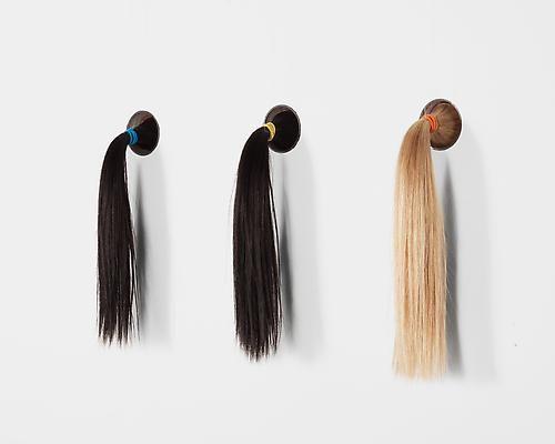 Mika Rottenberg, Pony tails, 2014