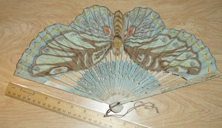Hand FANS - fun to collect, beautiful antiques! - I Antique Online beautiful butterfly fan