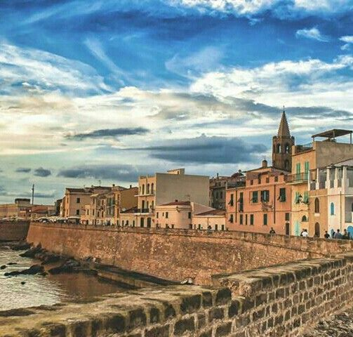 Alghero, Sassari, Sardegna. Our tips for 25 places to visit in Italy: http://www.europealacarte.co.uk/blog/2012/01/12/what-to-do-in-italy/