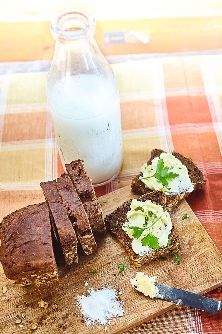 Tmavý chléb s melasou a červenou pšenicí
