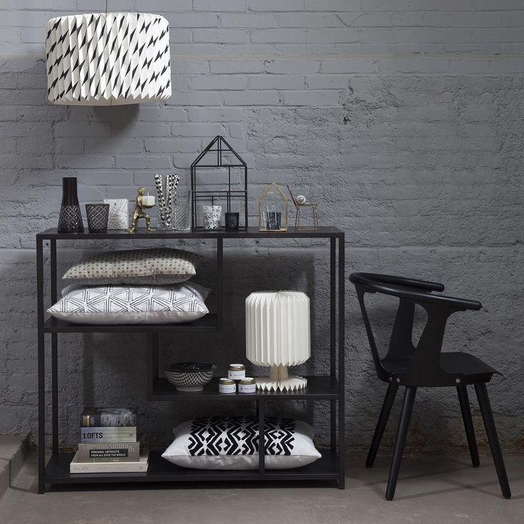 The devil is in the details... Spot jij de gouden accenten tussen het zwart, wit en grijs?⠀ ⠀ ⠀ #loods5 #home #interior #interieur #wonen #styling #wooninspiratie