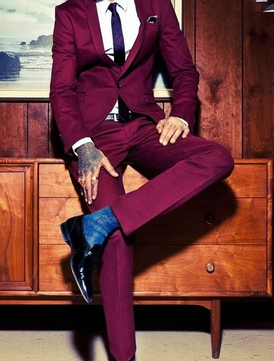 So smart. A guy that can pull off a coloured suit is always impressive! maroon…