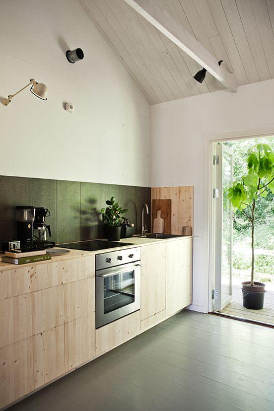 #wood #black #kitchen