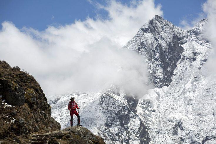 In een interactieve productie reconstrueert The New York Times het leven van één van de vele gestorven klimmers op 's werelds hoogste berg.
