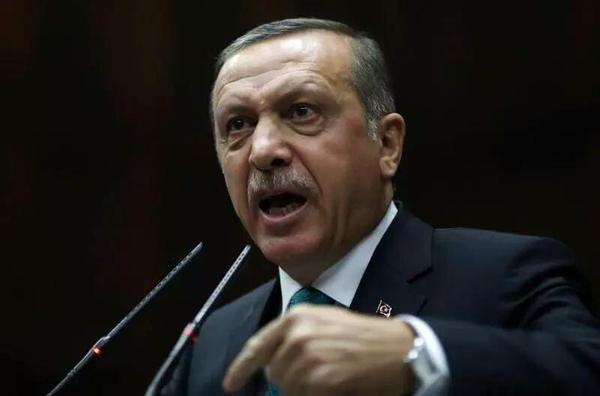 New York Times: Erdoğan, başkanlık hayalleri için Türkiye'yi savaşa sürükledi.