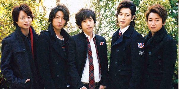 http://www.jpopasia.com/i1/celebrities/1/21350-arashi-po9f.jpg