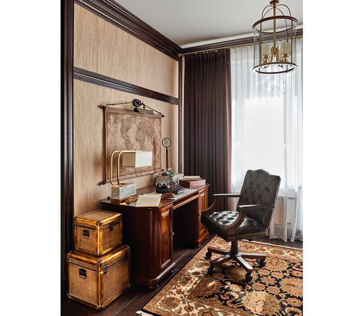 Квартира с классической отделкой и современной мебелью, 130 кв. м
