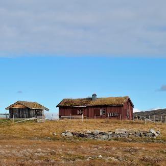 Mountain cabin in Forollhogna national park, Norway https://www.inatur.no/hytte/519dd339e4b02a81448d76b8/store-hiasjo-overnatting-i-flott-fjellomradeforollhogna-nasjonalpark | Inatur.no