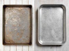 Verkrustete Essensreste und eingebrannte Fettflecken zu entfernen geht mit den richtigen Tricks mühelos. Wie Sie Ihr Backblech mit
