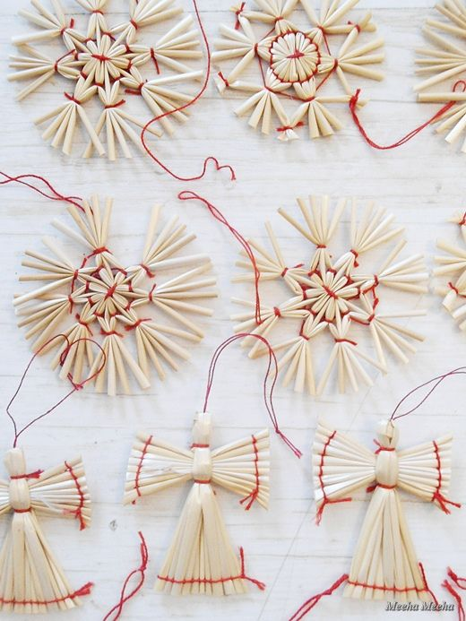 Handmade ornaments - straw and red thread