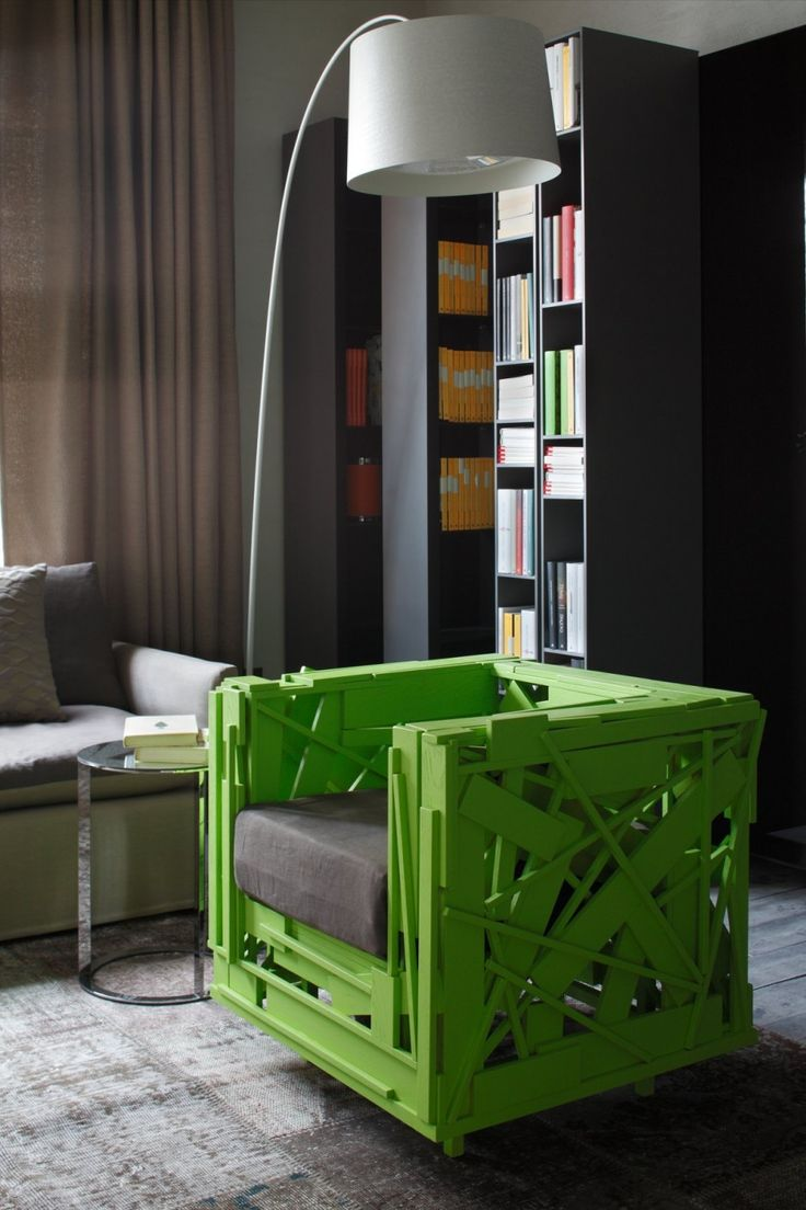 Reconstructed pallet chair - HI HOME by Andrea Castrignano