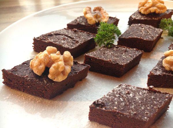 Søt konfektbrownies - sukkerfri, melkefri og glutenfri