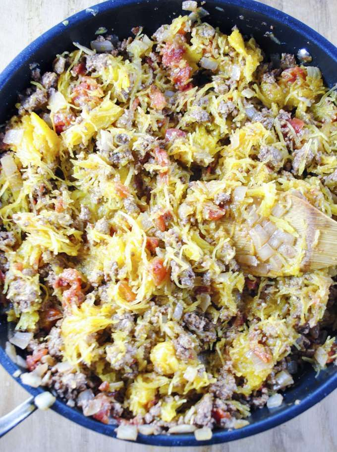 Whole 30 ground beef and spaghetti squash dinner