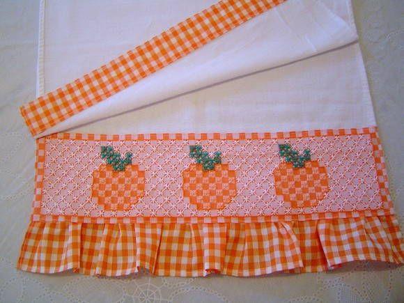 pano-de-prato-bordado-tecido xadrez.