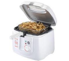 Come pulire e sgrassare la friggitrice http://www.comepulire.it/2012/10/11/pulizia-elettrodomestici-2/come-pulire-sgrassare-friggitrice/