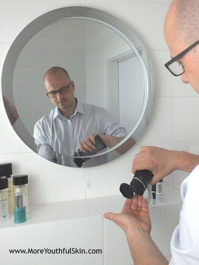 Gesichtspflege für Männer - Wie die Männerhaut pflegen  Gesichtspflege Männer Meine Herren, sorgen Sie für Ihre Haut? Und wenn ja, wissen Sie, wie sie richtig pflegen? Wenn Sie dafür noch nicht sorgen, sollten Sie anfangen. Keine Sorge, Männer, die für sich sorgen, werden nicht mehr ausgelacht. Ganz im Gegenteil. Aber auch... - http://moreyouthfulskin.com/de/gesichtspflege-manner/