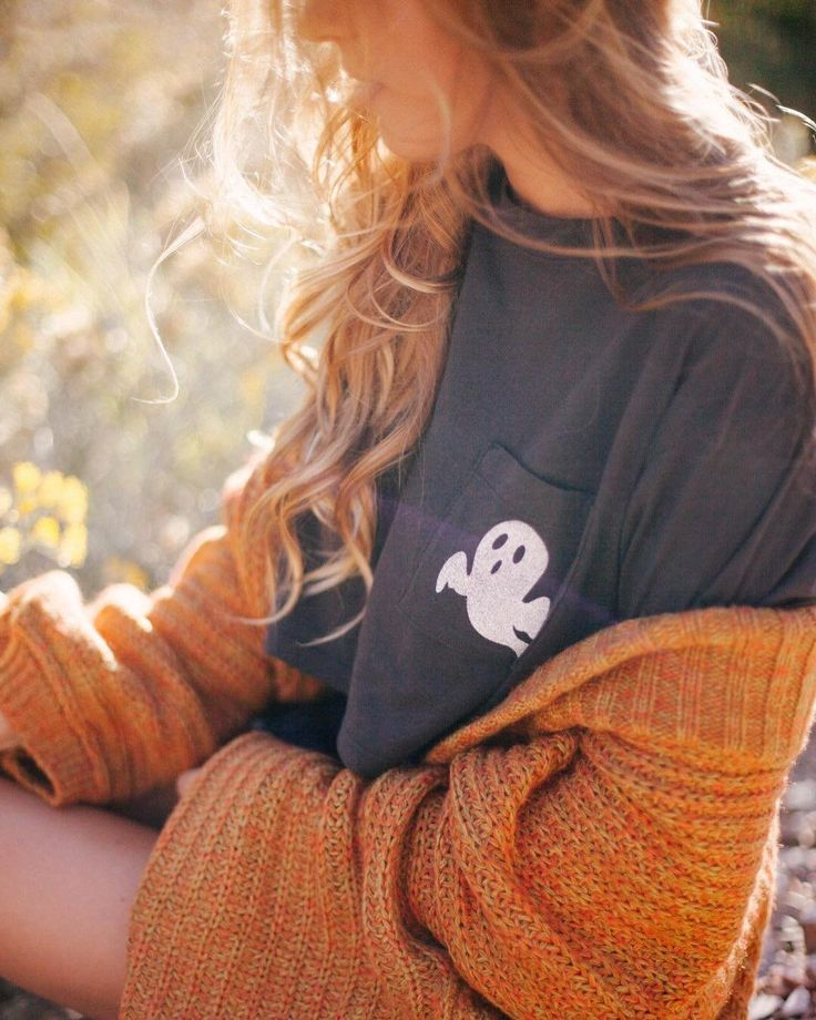 "13.3k Likes, 27 Comments - Urban Outfitters (@urbanoutfitters) on Instagram: "" Shop the Truly Madly Deeply Halloween Pocket Tee, SKU #44070936. #UOonYou @alyssaesmond…"""