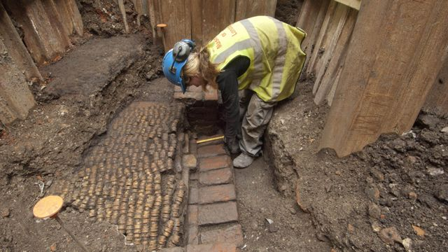 London Finds the Remains of Shakespeare's First Theatre Right Where They Left Them, Underneath London