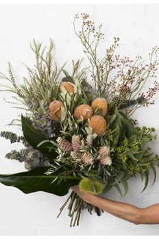 Pearsons Florist banksia native bush flowers rose hip