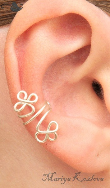 Ear cuff. Could make St. Patrick's day themed with extra loop for 4 leafed clover.