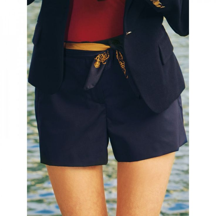 Shorts n°122 de Burda Style Février 2011
