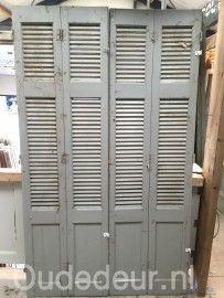 nr. 505 louvre deuren met paneel, per strook €50.-