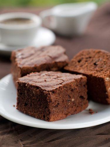 Pour les gourmands, voici une recette pour préparer des brownies maison. À savourer en dessert ou au goûter.
