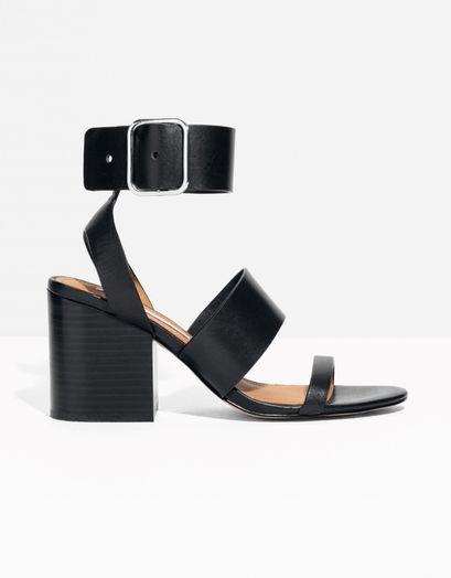 Sandales à talons noires, & Other Stories, 110 €.