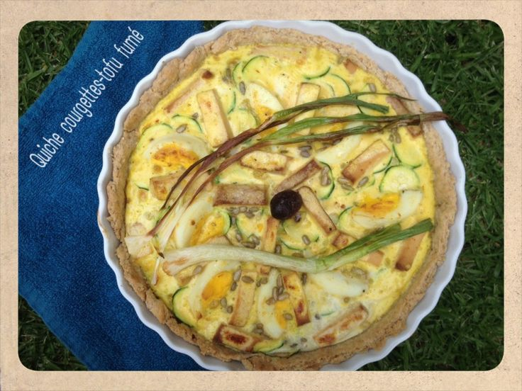 Quiche bio courgettes tofu fumé | One Footprint On The World
