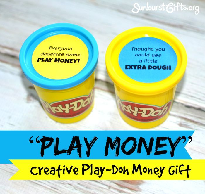 Kids and adults of all ages will love being surprised with a Play-Doh money gift! It's fun and creative money gifts but also very simple to create.