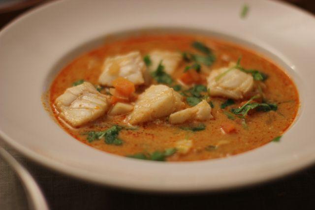 Thai fiskesuppe med steinbit
