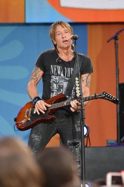 "Keith Urban Photos - Keith Urban performs on ABC's ""Good Morning America"" at…"