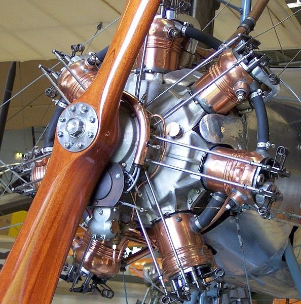 Radial Aircraft engine. At first glance this appears liquid cooled. Anyone know anything about it? PS; Did some research and I think it's a Salmson Z-9 from 1917.