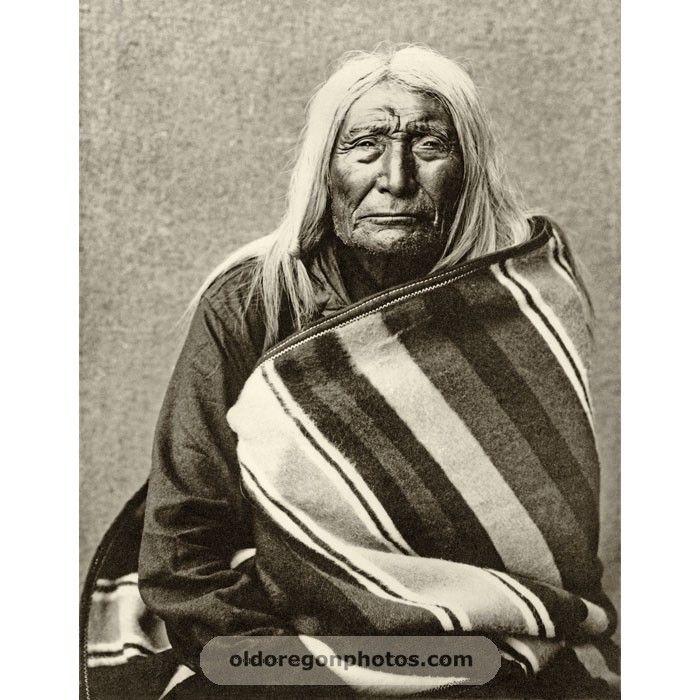 Hoo-sis-mox-mox (Yellow Hair), Chief of the Palouse.Moorhouse 1900