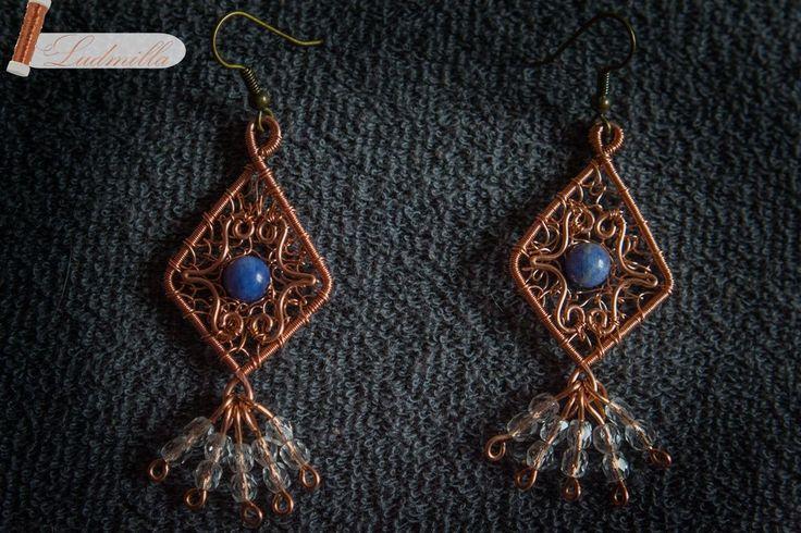 Cooper wire-wrap earrings.