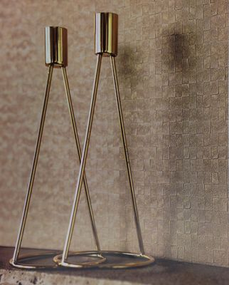 Dar un pequeño toque dorado a nuestras paredes no siempre ha de quedar exagerado y ostentoso, aqui os mostramos un ejemplo de un papel con tonos dorados elegante,fino y con el estilo más moderno, a nosotros nos ha enamorado! https://papelvinilicoonline.com/es/214-utah
