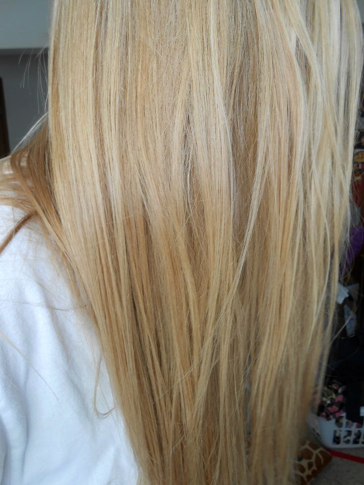 Long Blonde Hair With Platinum And Blonde Highlights With