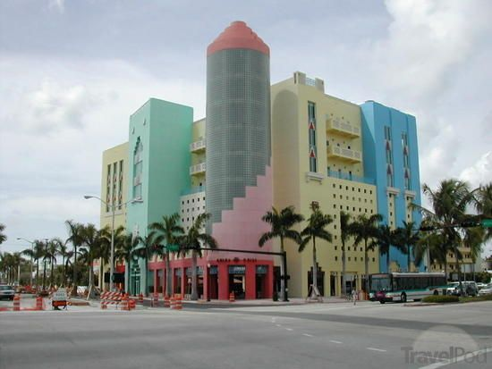 Art Deco South Beach by TravelPod Member Vicked ... click to see full size!