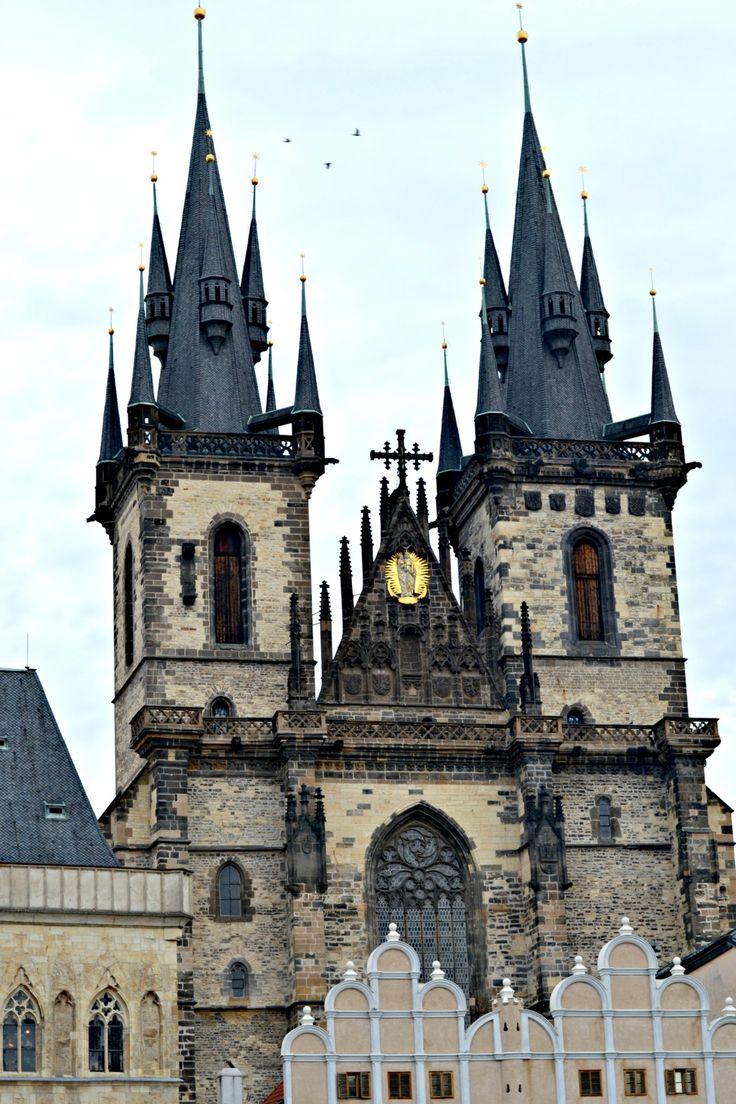 Ein Kurztrip nach Prag steht an und ihr wollt noch einen Geheimtipp oder euch durch schöne Fotos schon einmal die Vorfreude vergrößern? Dann klickt schnell!
