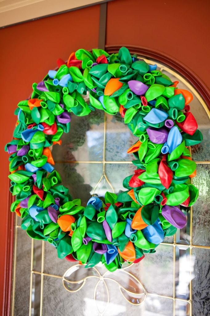 TMNT Balloon wreath - perfect decor for a Teenage Mutant Ninja Turtle Party!