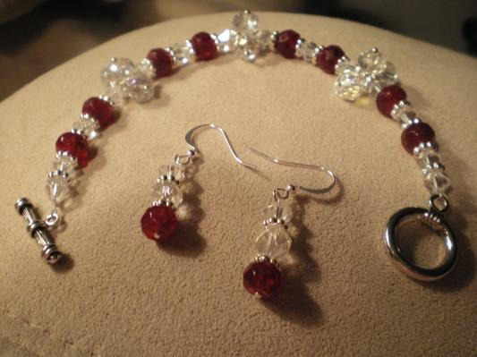 Swarovski Crystals. Great For Valentine Day Gift. Free Shipping, Gift Box.